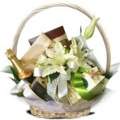 """Подарочный корзина """"Белая лилия"""" Цена: 5400 руб."""
